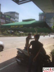 Dù lớn quán cafe