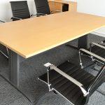 Ưu điểm của bàn ghế văn phòng chân sắt là gì?