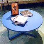 Những mẫu bàn tròn chân sắt hiện đại nhất bạn từng thấy